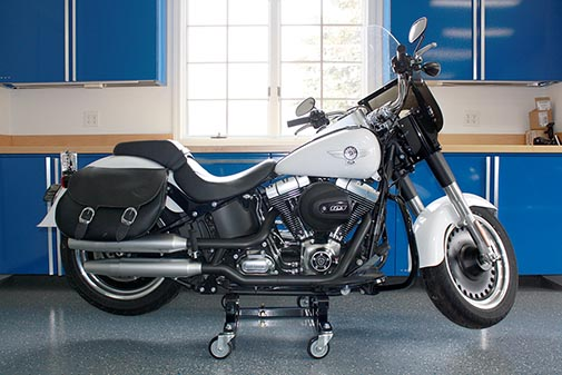 anyone can move this motorcycle dolly